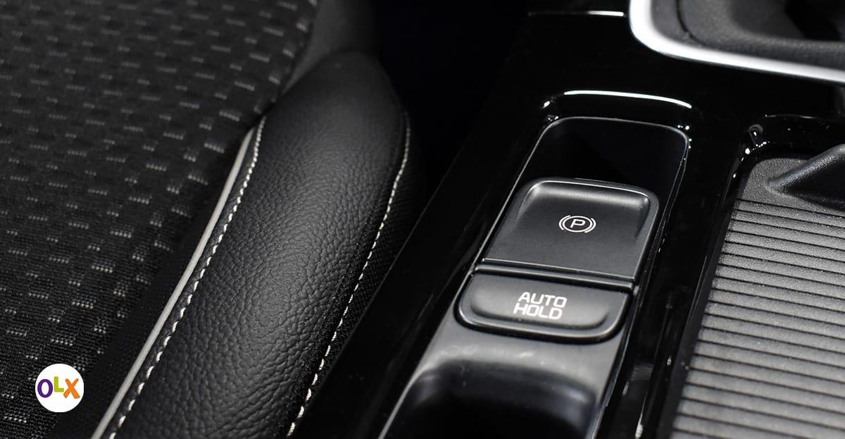 Elektromagnetna parkirna kočnica i autohold funkcija (automatsko kočenje na uzbrdici prilikom polaska u trajanju od tri sekunde nakon puštanja kočnice).