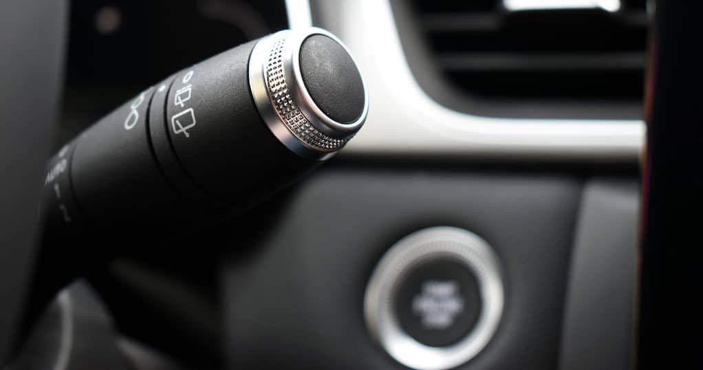 Hromirani ukrasi raštrkani u kabini karakteristika su većine novih Renaulta opremljenih skupljim paketom opreme. Isto je i u Capturu
